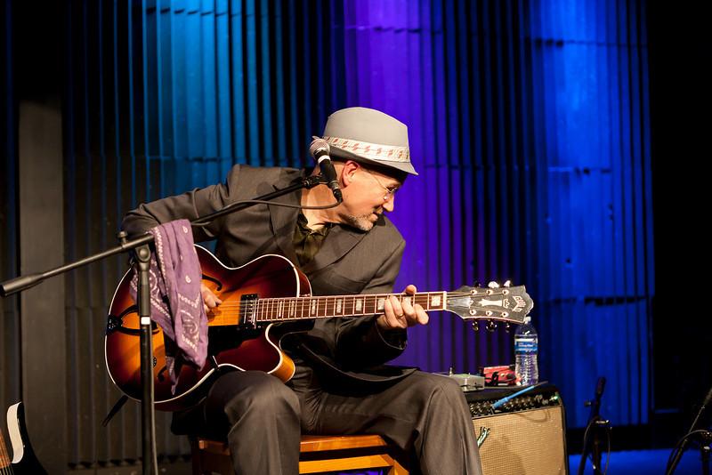 Marshall Crenshaw @ Tupelo Music Hall, Londonderry, NH
