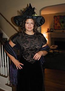 2011 10 29:  Federica, Mystery Dinner Costume [Carla's Photos]