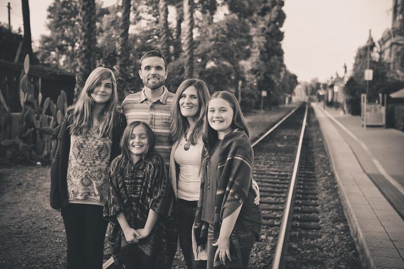 2015_Dean_Family_B&W-31.jpg