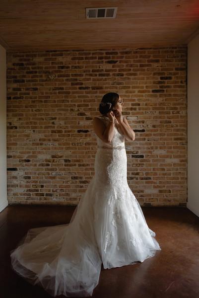 Kaitlin_and_Linden_Wedding_Pre_Ceremony-80.jpg