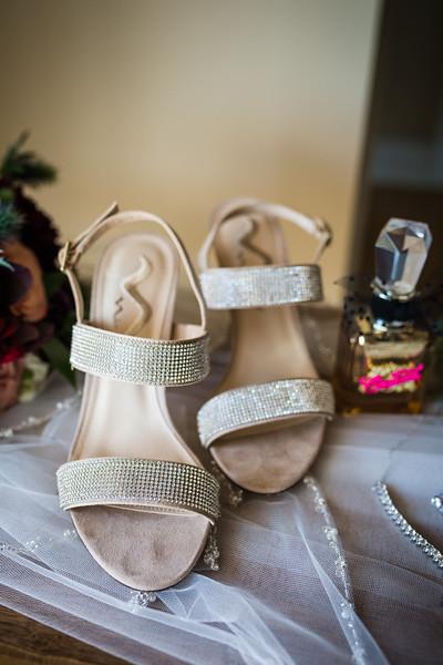 SARAH AND CHRIS - LAKEHOUSE WEDDING - 31.jpg
