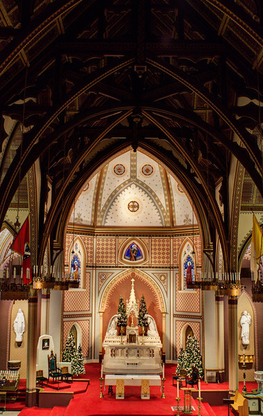 St. Andrews' apse and altar from choir loft - Little Rock, AR