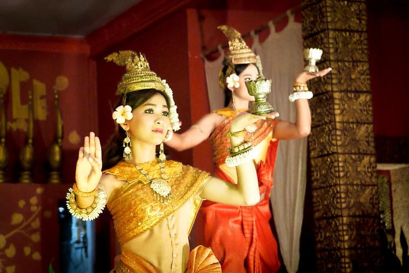 Apsara dancers cambodia (1).jpg