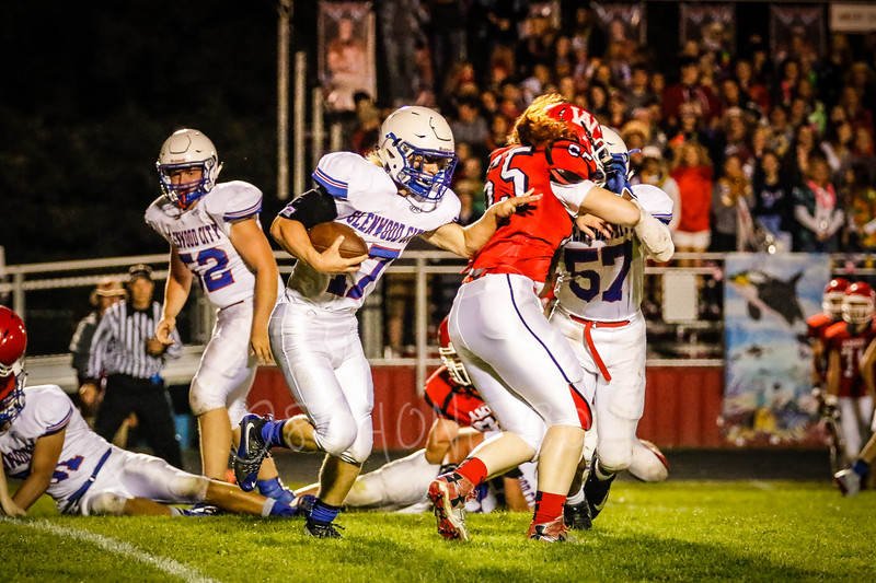 GC Football vs Amery-2735.JPG