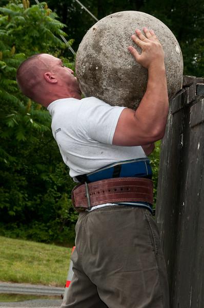 Fitness Revolution Strongman Challenge 2011_ERF4564.jpg