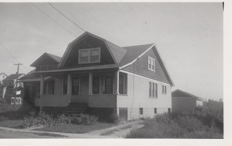 2251 BERWYN 1930.jpg