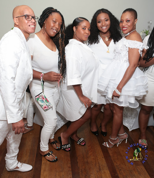 SHERRY SOUTHE WHITE PARTY  2019 re-140.jpg