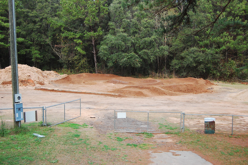 First photo from 12 Jan 09. Looking from the BMX Track toward Pump Track Hans.