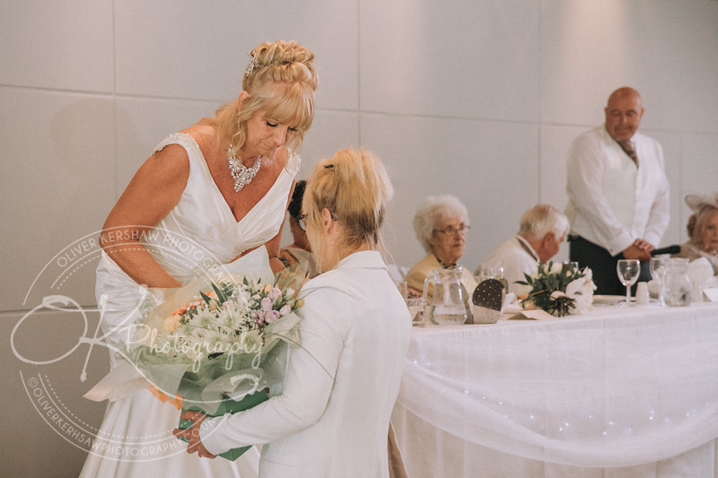 Justine & Nick-Wedding-By-Oliver-Kershaw-Photography-182758.jpg