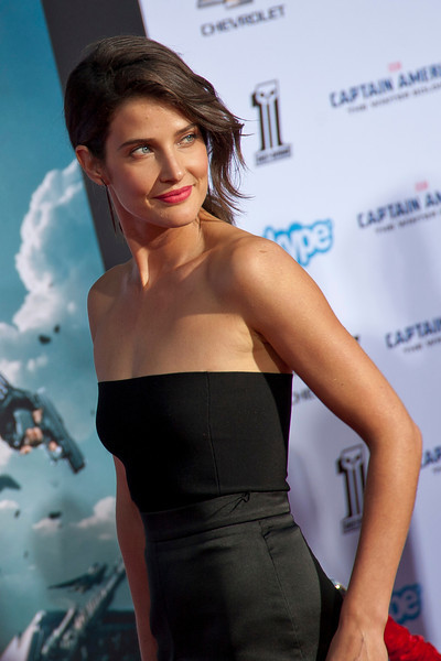 HOLLYWOOD, CA - MARCH 13: Actress Cobie Smulders arrives at Marvel's 'Captain America: The Winter Soldier' premiere at the El Capitan Theatre onThursday,  March 13, 2014 in Hollywood, California. (Photo by Tom Sorensen/Moovieboy Pictures)