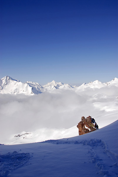 080502 1717 Russia - Mount Elbruce - Day 2 Trip to 15000 feet _E _I ~E ~L.JPG
