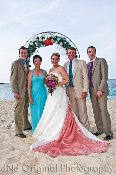 082 Wedding & Dinner - Heather & Family.jpg