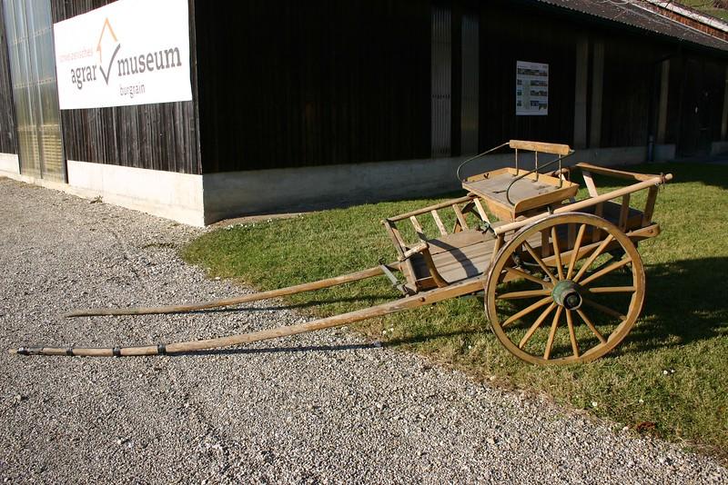 Ein ähnliches Transportmittel noch ums Jahr 1950 genutzt.