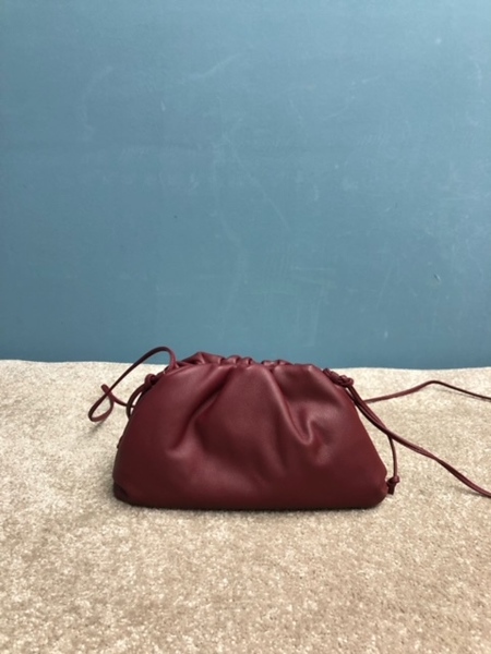 BV the pouch 20 wine red.JPG
