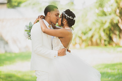 Cuffin A Ruffin (Wedding & Portraits)