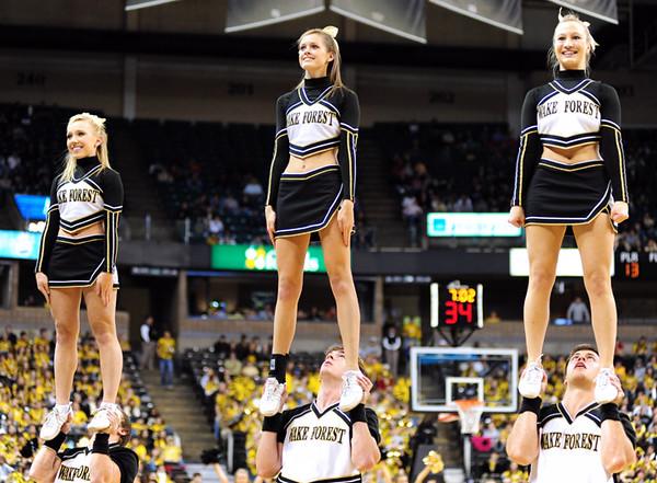 Cheerleaders 03.jpg