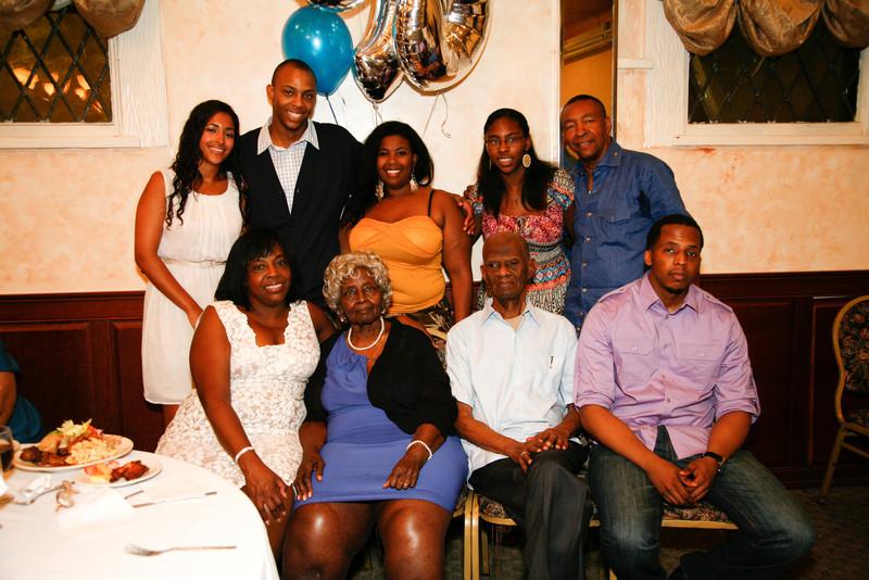 Edouard Family Reunion-3643.jpg