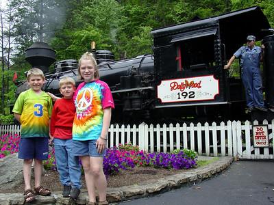 2003 6.04-05 Dollywood Amusement Park, TN