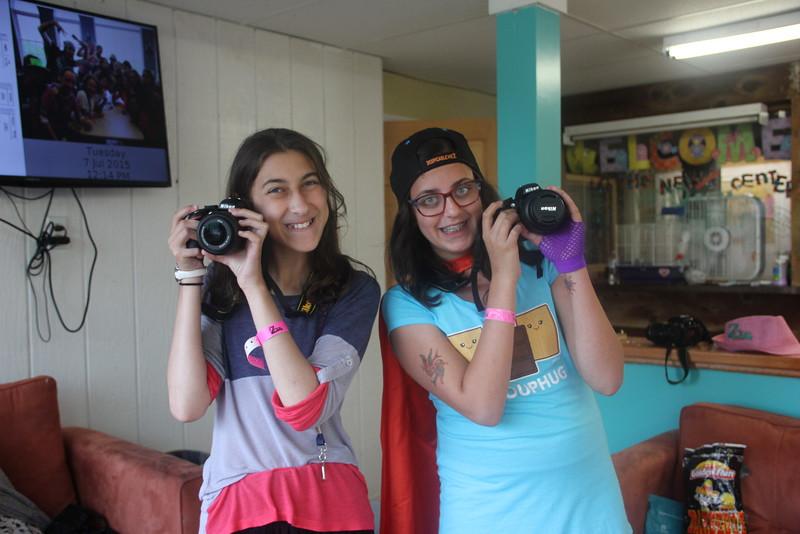 kars4kids_thezone_camp_GirlDivsion_workshops_Photography (21).JPG