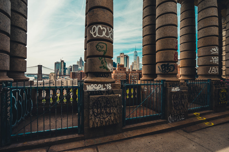 Manhattan Bridge columns.jpg