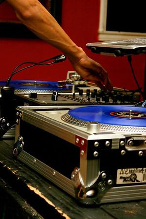 2009-06-27 [Saturday Night, Reps Sports Bar, Fresno, CA]