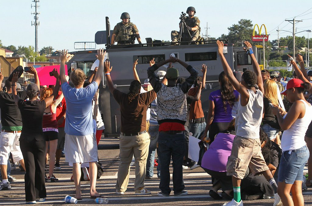 ". 5. (tie) FERGUSON (MO.) POLICE <p>Tanks? Seriously? (unranked) </p><p><b><a href=""http://www.cnn.com/2014/08/13/us/missouri-teen-shooting/index.html\"" target=\""_blank\""> LINK </a></b> </p><p>    (AP Photo/St. Louis Post-Dispatch, J.B. Forbes)</p>"