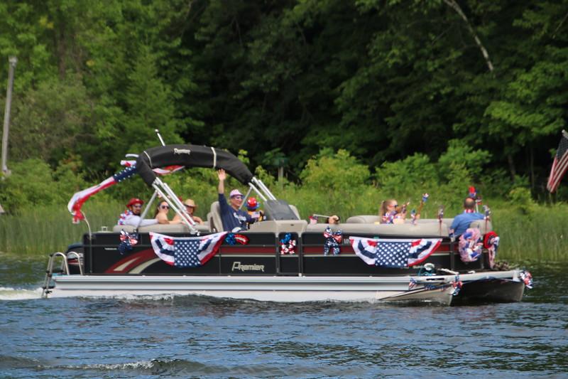 2019 4th of July Boat Parade  (80).JPG