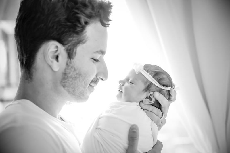 bw_newport_babies_photography_hoboken_at_home_newborn_shoot-5039.jpg
