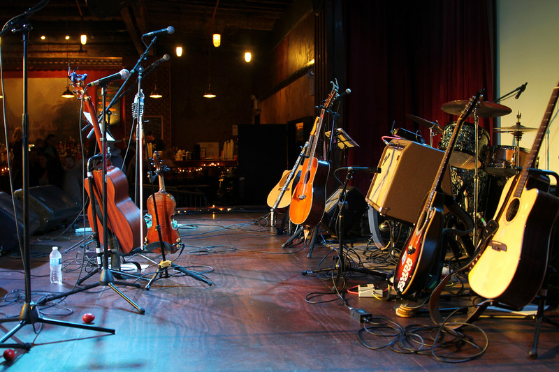2011.12.12 Suzi Shelton Concertf-7.jpg