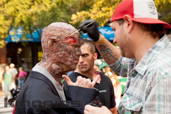 ZombieWalk2012131012115.jpg