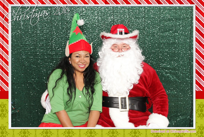 120818 - Realty One Santa Photos