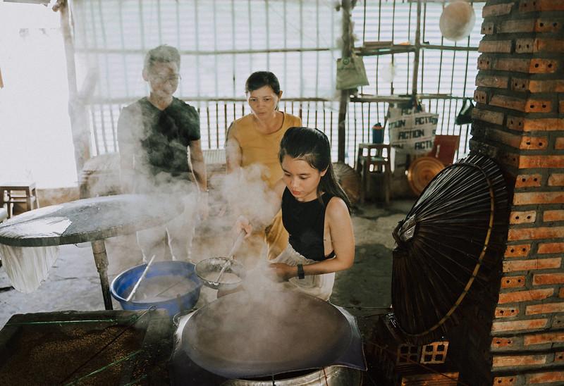 Tu Nguyen Wedding Mekong River Elopement Can Tho  - Southern Vietnam 26 - 4.jpg