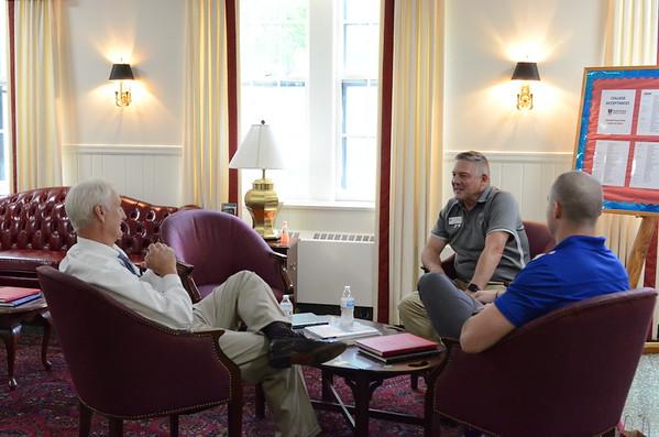 Senator Mark Peake (VA-22) visits with cadets