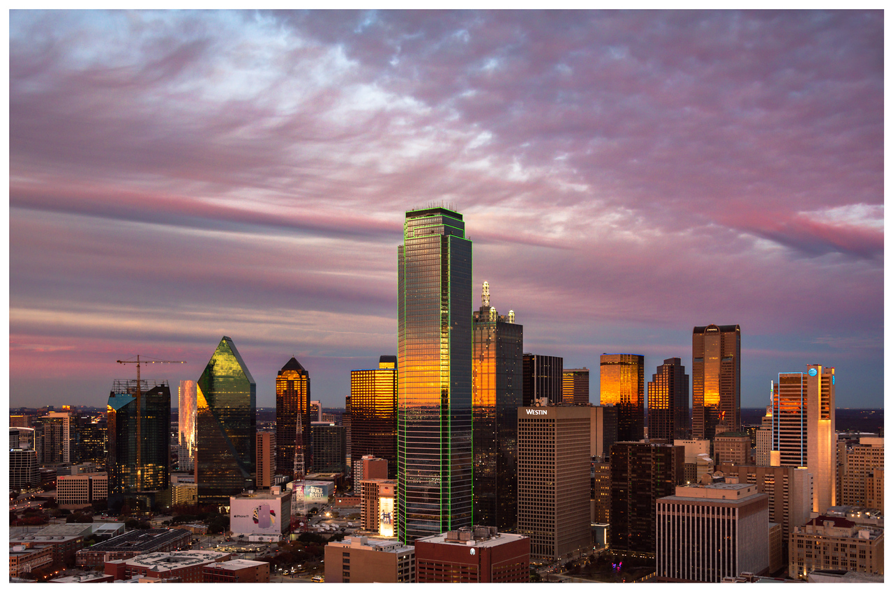Sunset skyline shot of Dallas, Texas