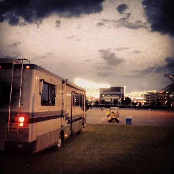 9/7 Arrived at our RV spot at the stadium. http://instagram.com/p/PSzUG_q-_Z