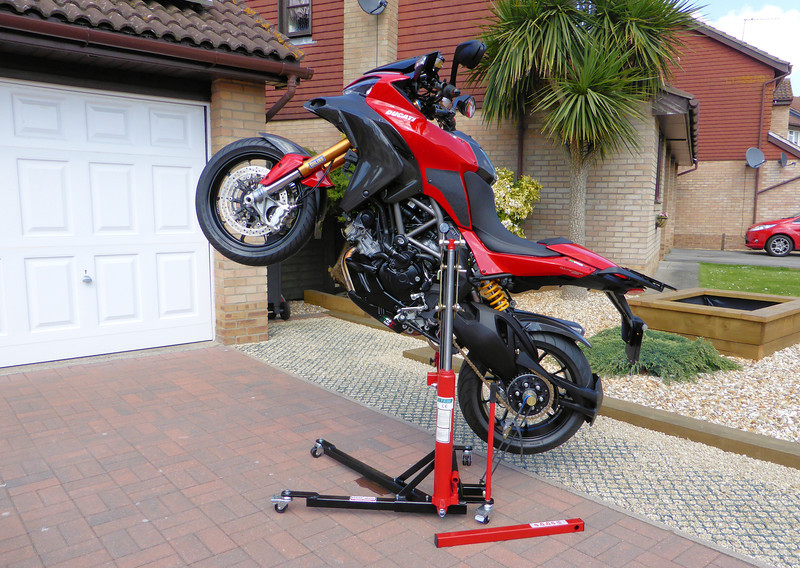 2/3: The best addition to my garage/workshop ever!......the Abba Sky Lift.....A-MAZE-ING!!