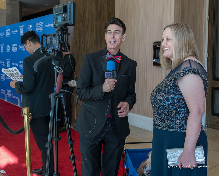 Pre Red Carpet photo ops - early side interview