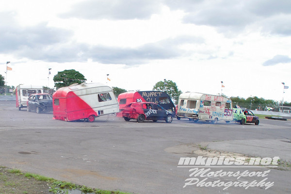 Caravan figure of 8 Racing, Northampton, 30 July  2017