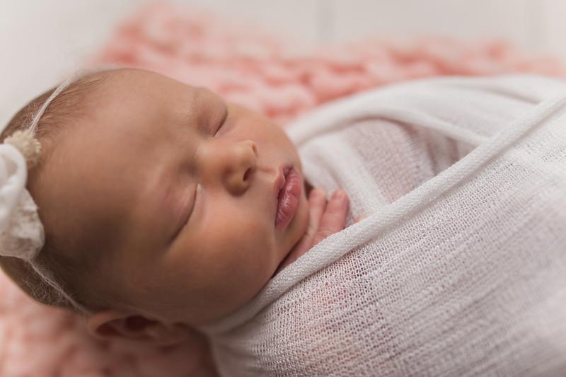 Kaylyn Newborn-29.jpg
