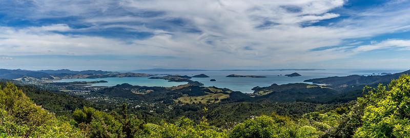 Blick vom «Luca's Lookout» auf die Inseln vor der Stadt Coromandel