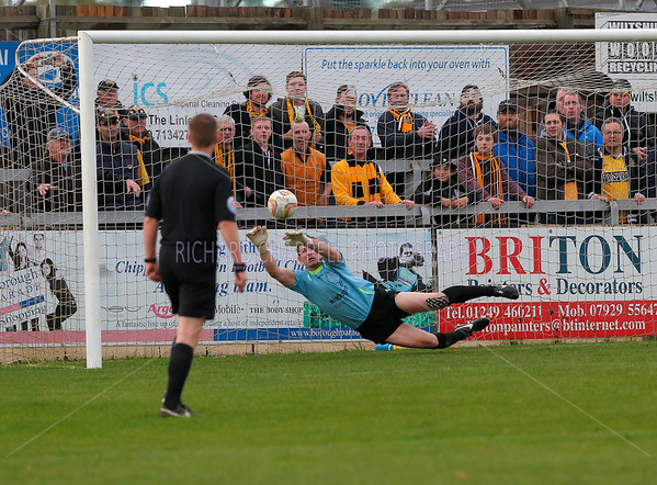 CHIPPENHAM TOWN V MAIDSTONE UNITED MATCH PICTURES FA CUP 4th ROUND Q 24th Oct 2015