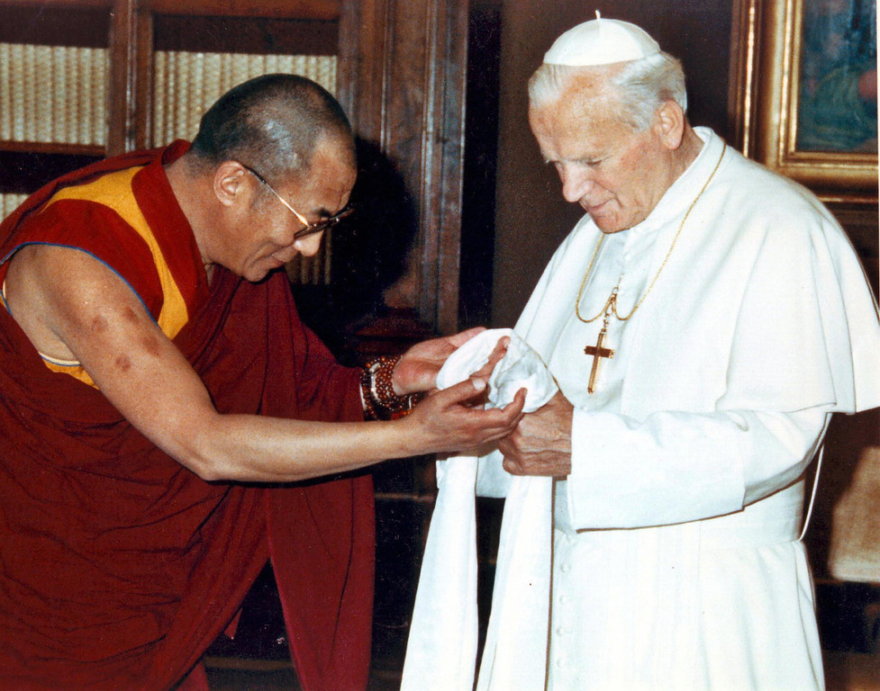 . A picture dated 1982 shows Pope John Paul II meeting Tibetan spiritual leader Dalai Lama at the Vatican City. Pope John Paul II met the exiled Tibetan spiritual leader the Dalai Lama at the Vatican 27 November 2003 for talks which focused exclusively on religion and did not broach Tibet\'s struggle for independence from China, the Vatican said.    (AFP/Getty Images)