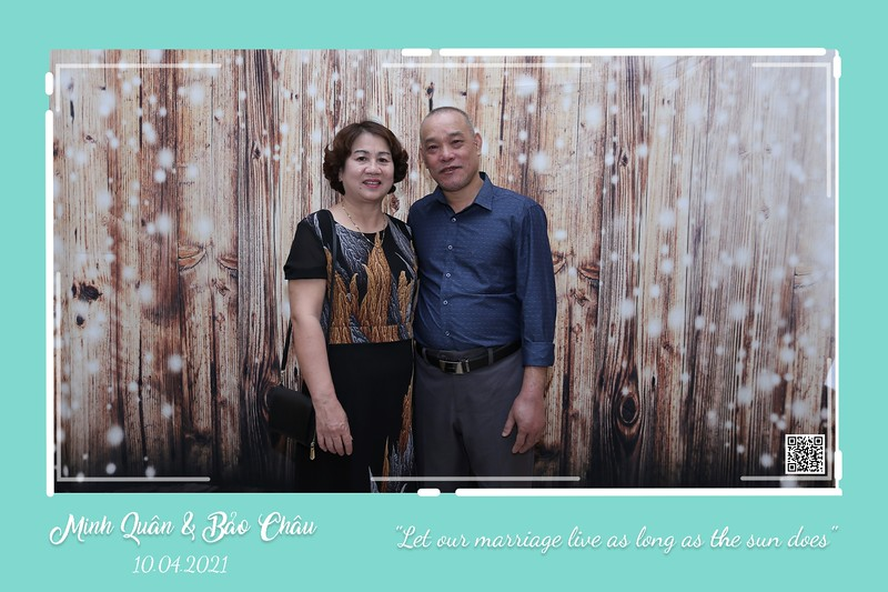 QC-wedding-instant-print-photobooth-Chup-hinh-lay-lien-in-anh-lay-ngay-Tiec-cuoi-WefieBox-Photobooth-Vietnam-cho-thue-photo-booth-017.jpg