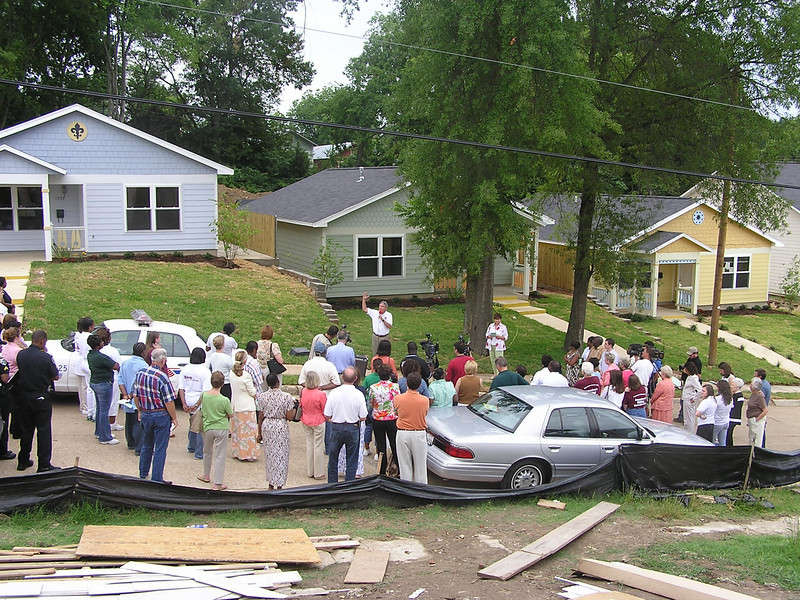 Dedication of first three houses, May 30, 2006 012.jpg