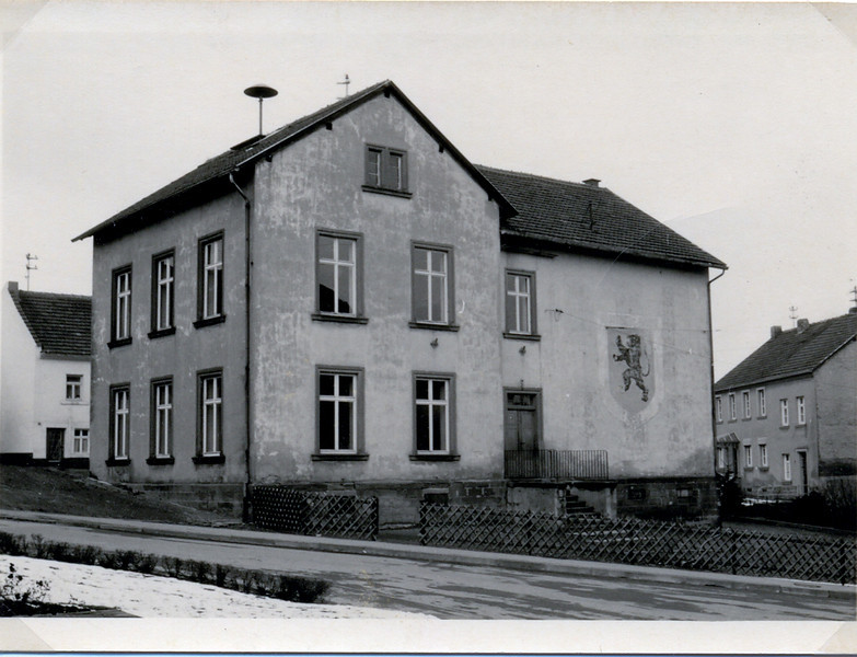 Oberes Altes Schulhaus erbaut 1870 (2).jpg