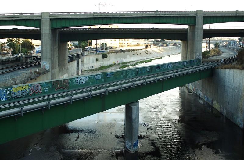 ConfluencePark034-BridgesAndRiver-2006-10-04.jpg