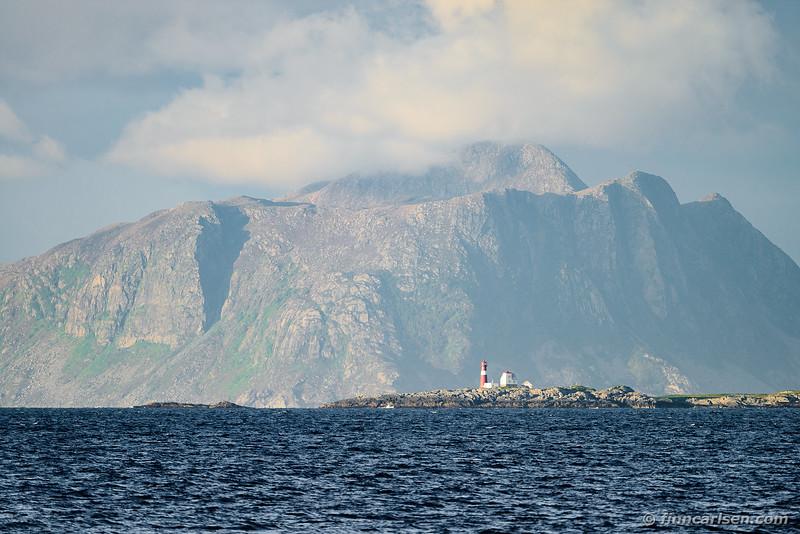 Fyrtårn på Grasøyane / Lighthouse at the Grasøyane