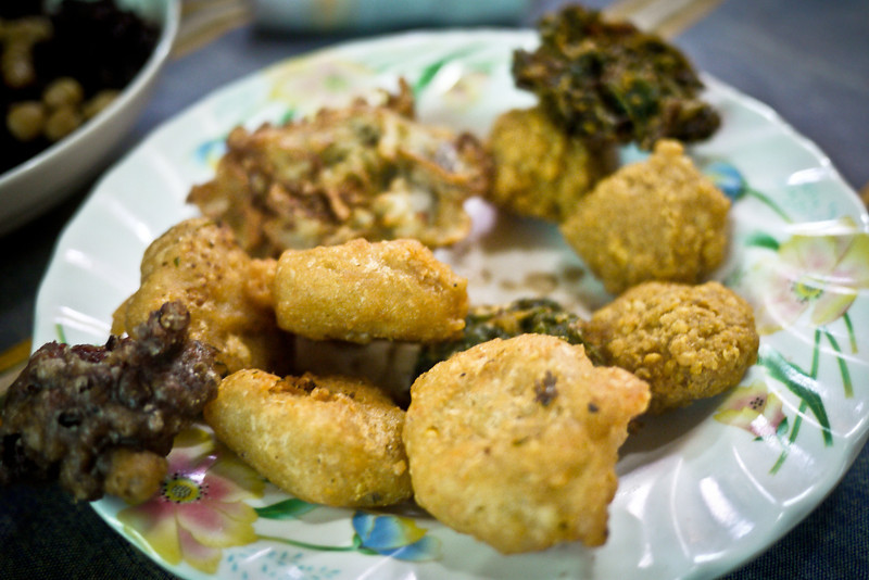 Deep fried veggies and beans are a great compliment to most any meal, be it a Burmese breakfast, lunch, or dinner!