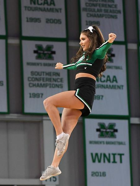 cheerleaders4417.jpg