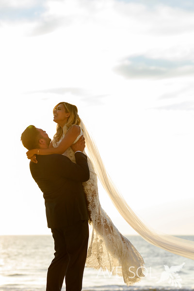 Janelle-Nick-3-Newlyweds-52.jpg